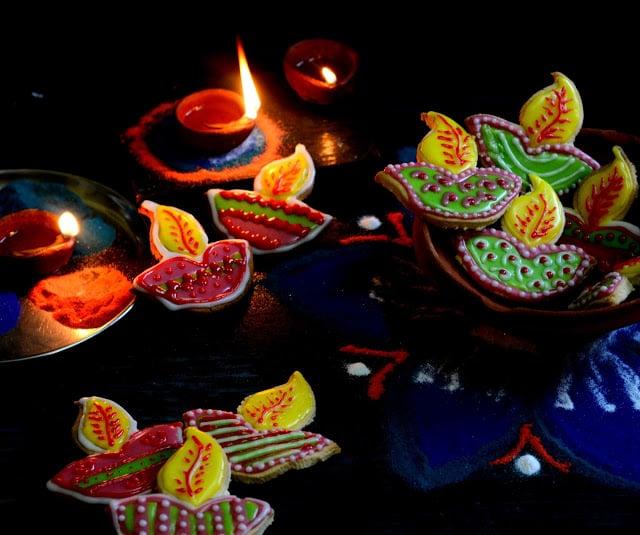 sugar-cookies-diwali-diya-1024x1024