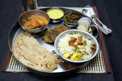 Sultani dal uttar pradesh awadhi thali for Awadhi cuisine menu