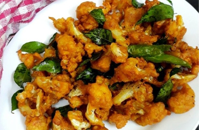 Cauliflower Chilli Pakoda