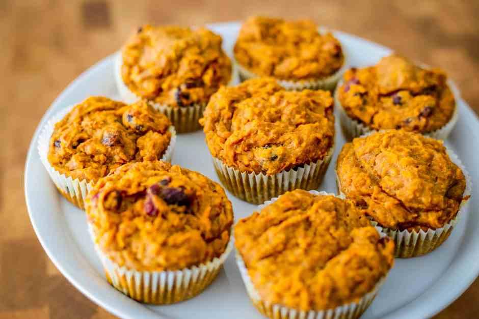Rezept Süßkartoffel-Cranberry-Muffins vegan Zimt Apfelmus backen Spicy Love Foodblog einfach lecker saftig schnell Dinkel zuckerfrei Vollkorn