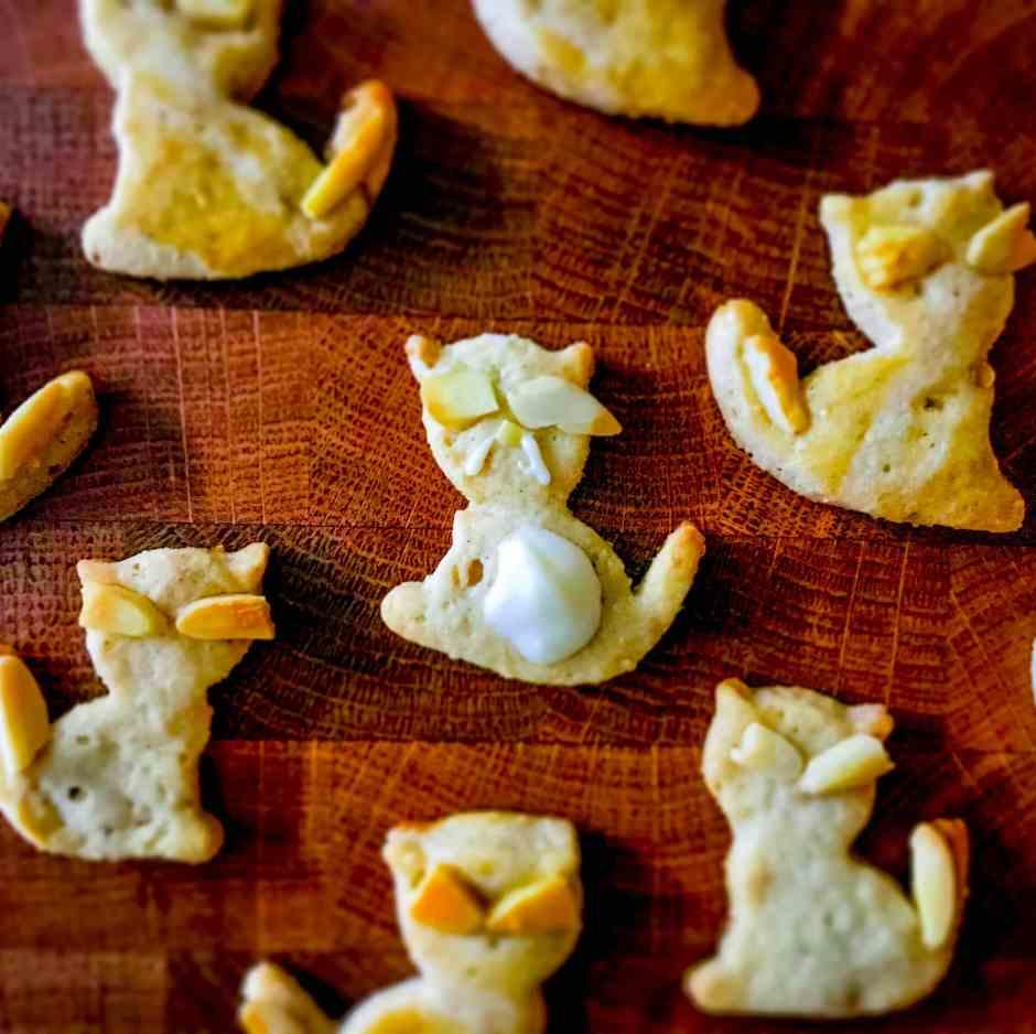 Rezept Weihnachten Kekse Kitten Cookies Mandelkekse zuckerfrei ohne Butter Kokosöl Dinkel Spicy Love