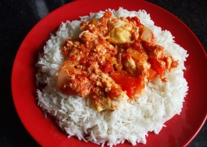 Rice with egg and tomato stew