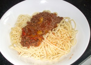 spaghetti with minced beef stew