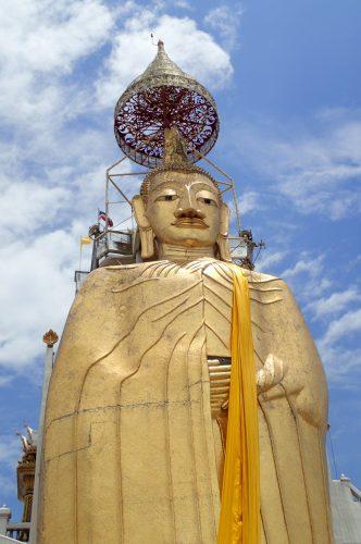 der stehende Buddha