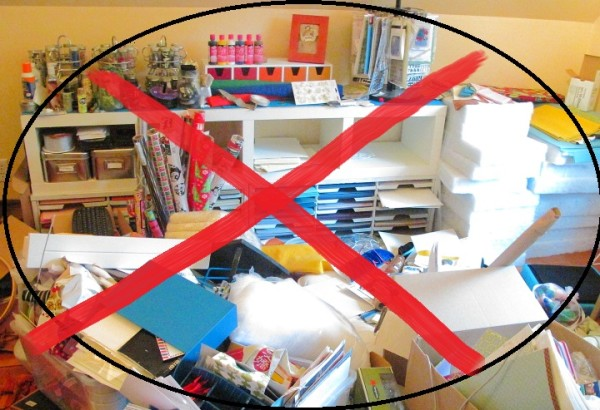 Clean up all clutter to prevent spiders from building nests