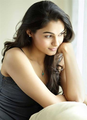 Surabhi Cute Wallpapers Andrea Jeremiah Malayalam Actress Profile Biography And