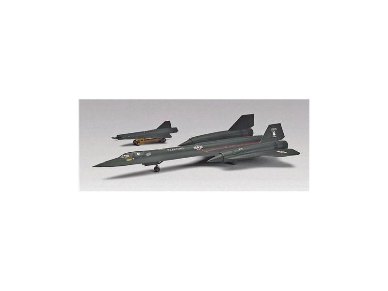 Revell Plastikmodell Flugzeug SR-71A Blackbird - Spielland.ch