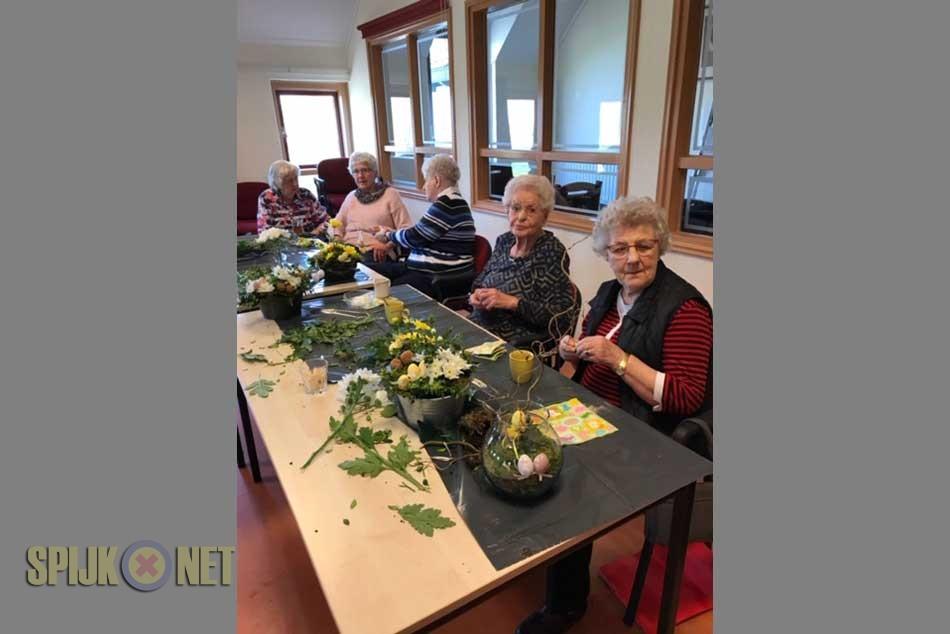 Paasbloemstukjes gemaakt tijdens Themamiddag