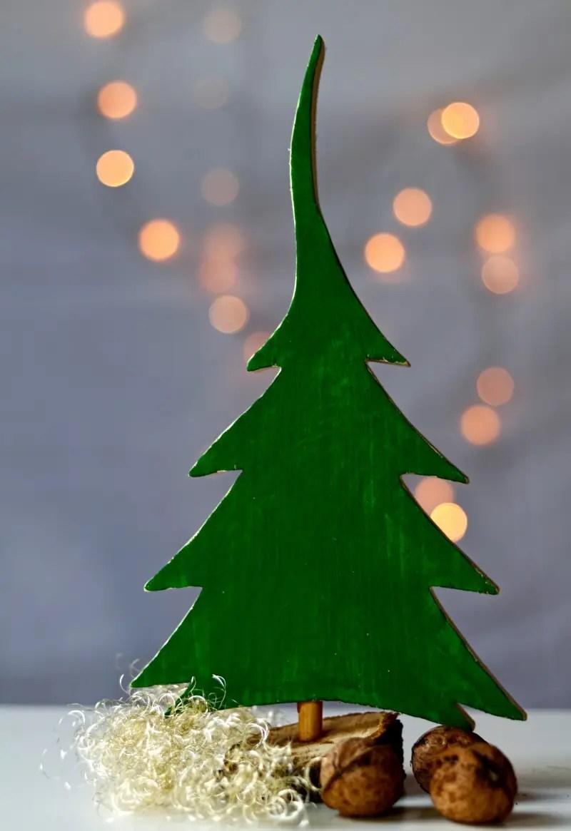 Weihnachtsbaum aus Restholz