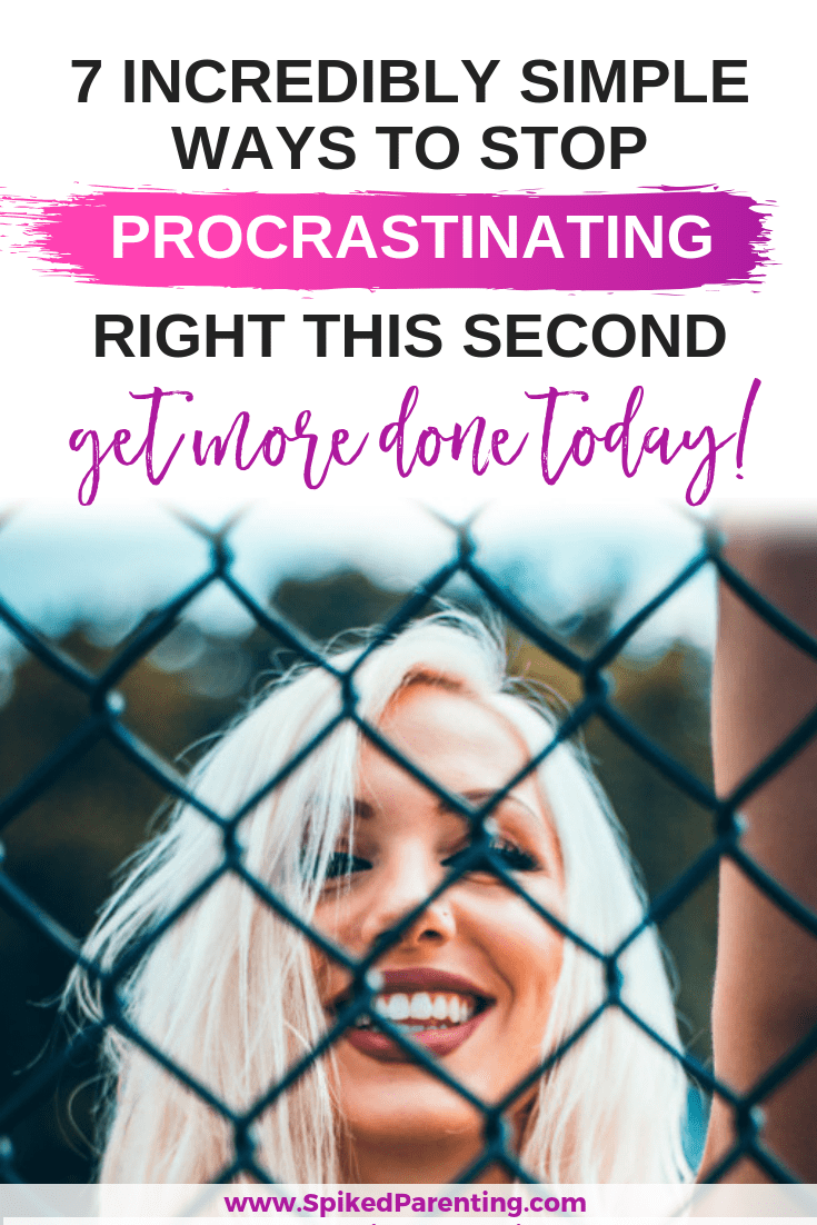 Catch the procrastination bug? Check out these 7 incredibly simple ways to stop procrastinating and start getting more done today! #procrastination #stopprocrastinating #productivity #timemanagement