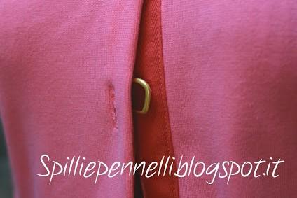 Un allegro cardigan rosa