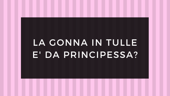 Gonna in tulle nera asimmetrica