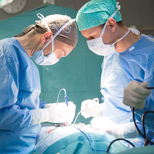 serviços cirurgia à coluna