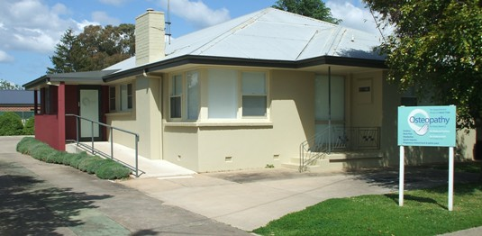 Old house converted into medical rooms - Wodonga (Designed by Rob Pickett Design)
