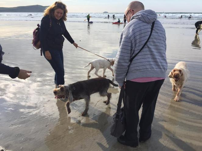 Roana (now Phoebe) with Srah-Jane and friends on the beach