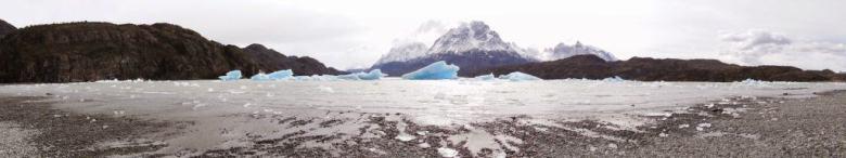 icebergs in torres del paine at grey lake while visiting patagonia