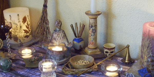 """Lammas altar """"100_2131 b"""" by leszlaw (flickr)"""