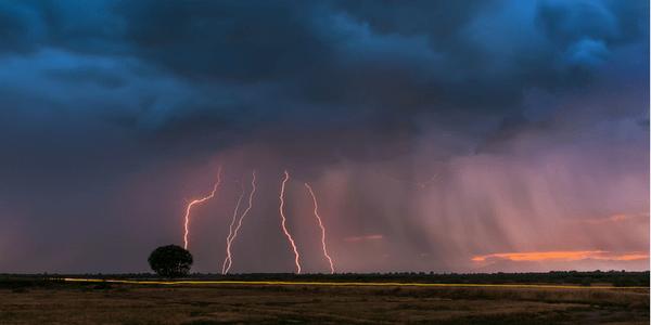 Lightning, photo by Nikos Koutoulas