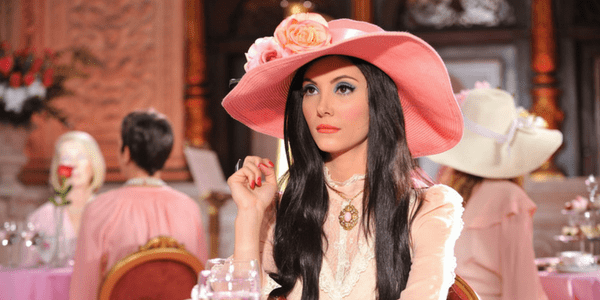 The Love Witch, Pink