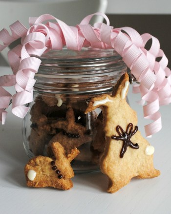 Easy Crunchy Shortbread Bunny Biscuits