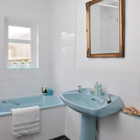 bathroom--retro--Style-at-Home