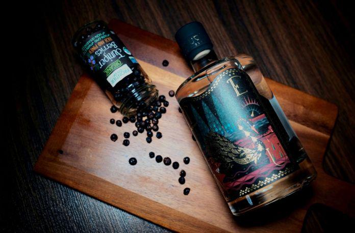 tenu gin forest blend