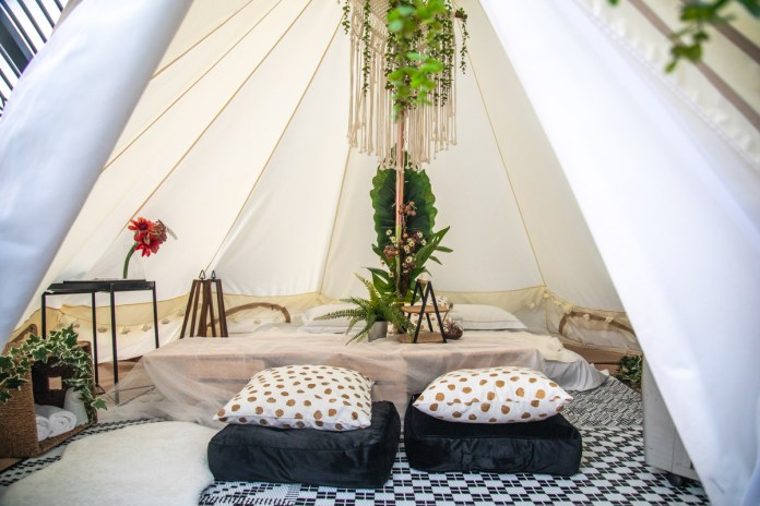 Tablescape glamping
