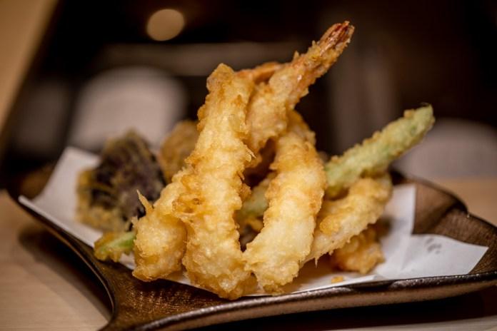 Tempura Makino prawn and vegetable set