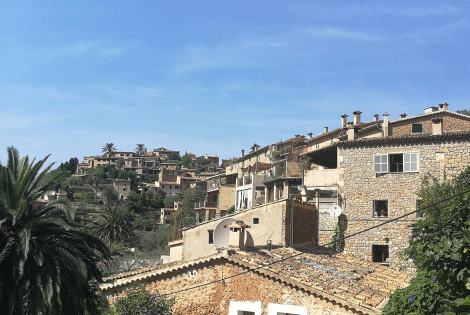 Kleinstadtfeeling in Deya