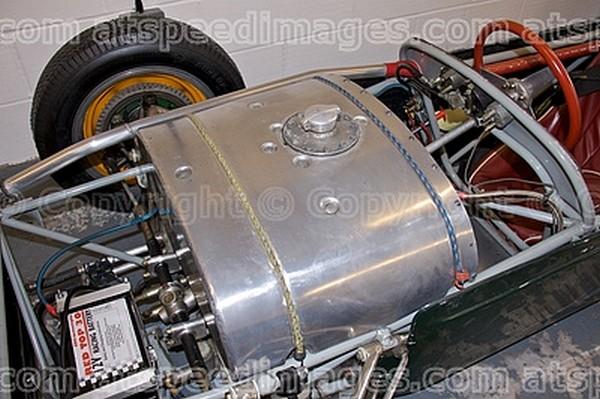 FILTRE    lotus 18 1960 reservoir.jpg  freins ailettes