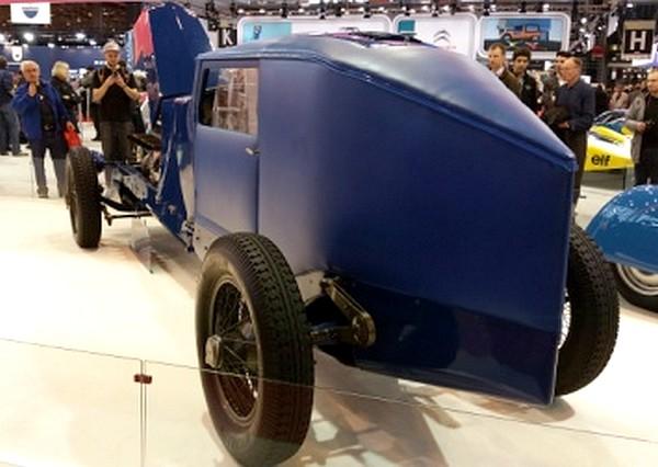 FILTRE Une des premières voiture de records