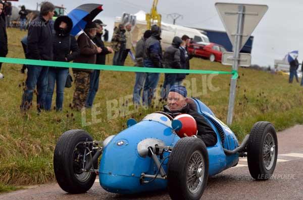 WEB----Racer-Dufresne
