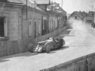 WEB----1923_gp_de_acf_tours_andre_lefebvre_voisin_laboratoire_5th-300x225
