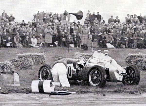 WEB----Collins-crash-Silverstone-51