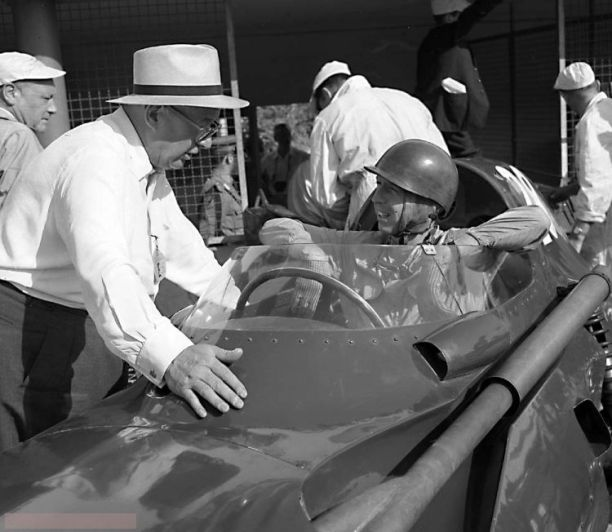 Italian+Grand+Prix+-+Monza+-+1958_RF+356+-+Tony+Vanderwell+-+Tony+Brooks+-+Vanwall+%28winner%29.jpg.small