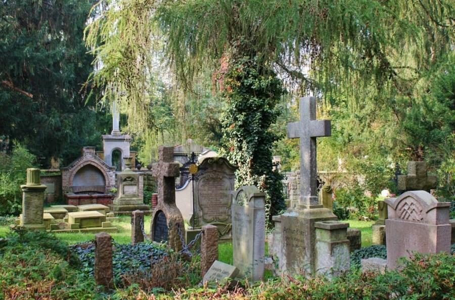 cemetery-363334_1920