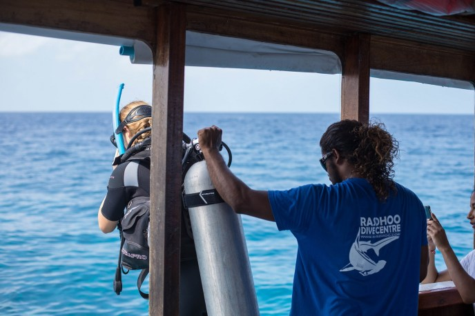Do your divemaster or instructor course on the Maldives!