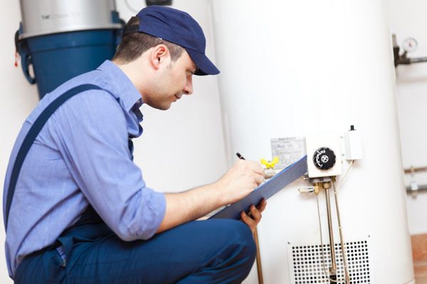 Plumber fixes water heater in Lake Forest CA