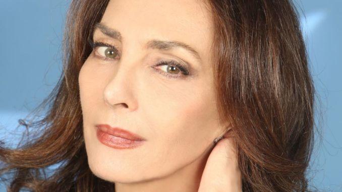 Maria Rosaria Omaggio legge 'Il Flauto Magico' aMonteluco