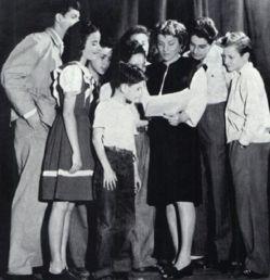 Viola Spolin çocuklarla çalışırken