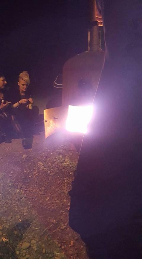 Die Feuertonne hat es auch nachts schön warm gemacht
