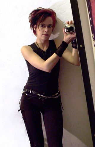 2007 schießt Caro ihr erstes Spiegel-Selfie - Gothic Berlin Bild #50