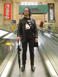 WGT 2010 - Robert auf der Rolltreppe