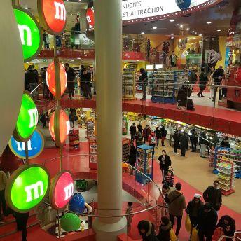 Der M&M Store (oder auch Tempel), der Dinge von M&M anbietet für dessen Verwendung es mir an Phantasie mangelt.