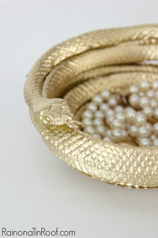 DIY golden snake bowl. Via DIY Halloween.