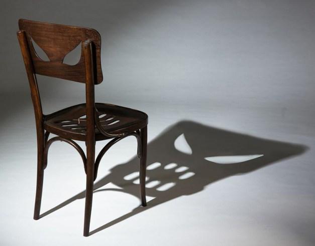 Monstrous chair by Yaara Derkel. Via Art of Darkness