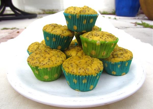 Grain-Free Lemon Poppyseed Muffins {Giveaway}