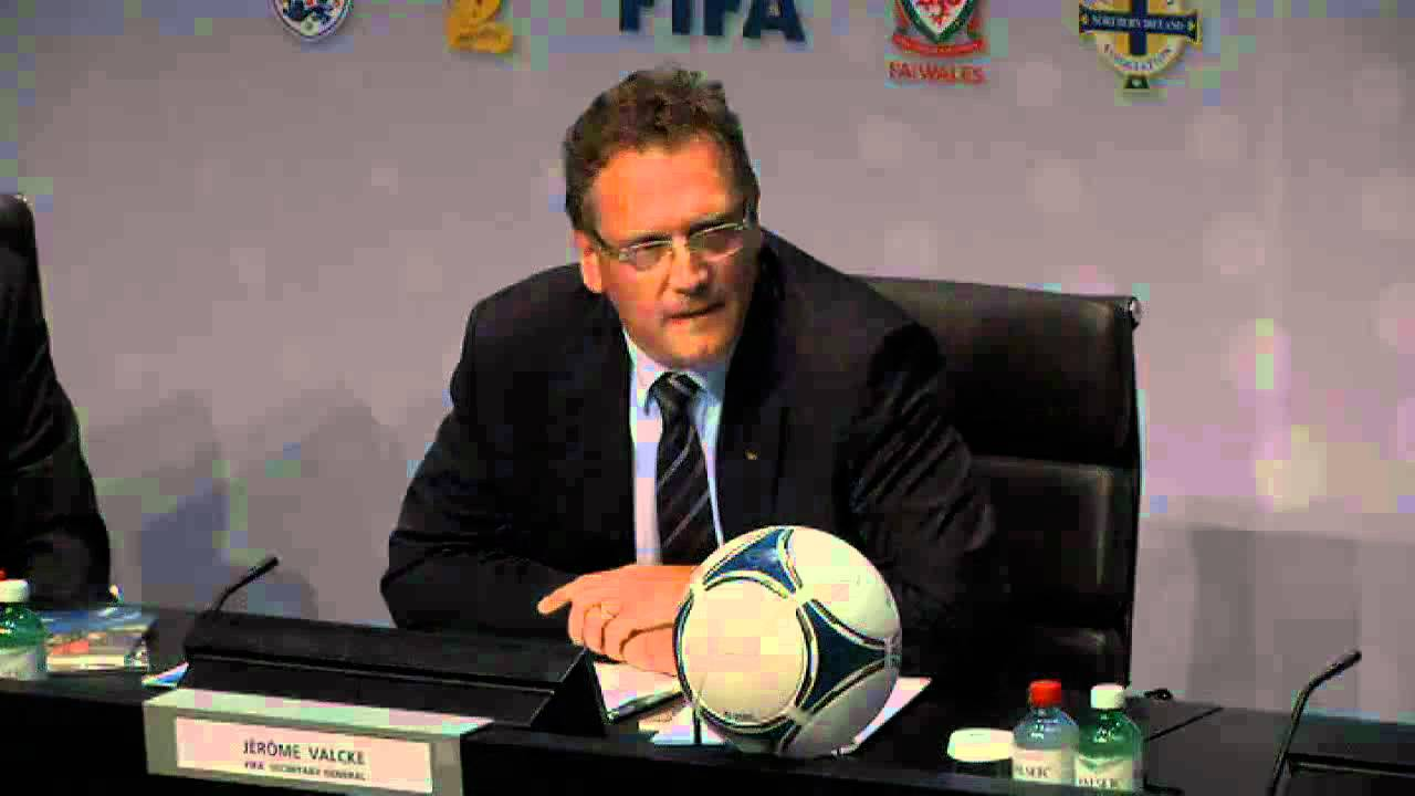 FIFA want goal-line technology at Brazil 2014