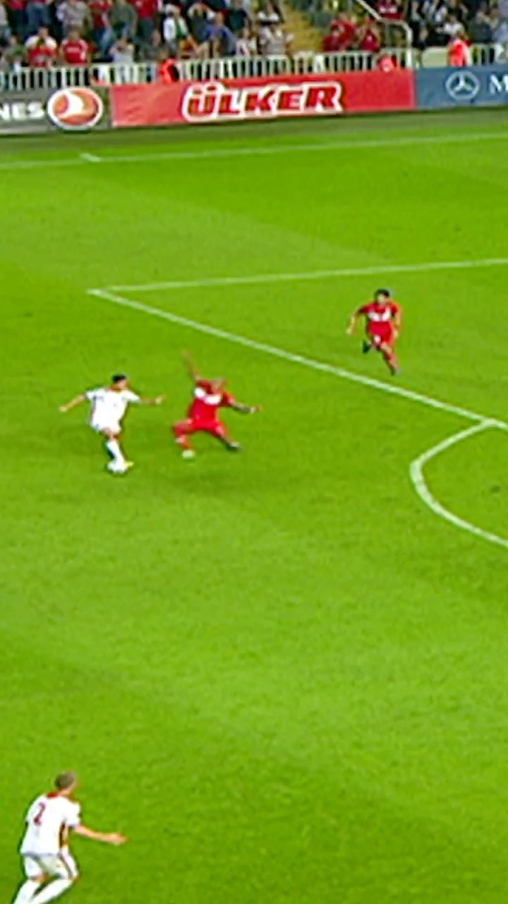 Who's dribbling here? ...
