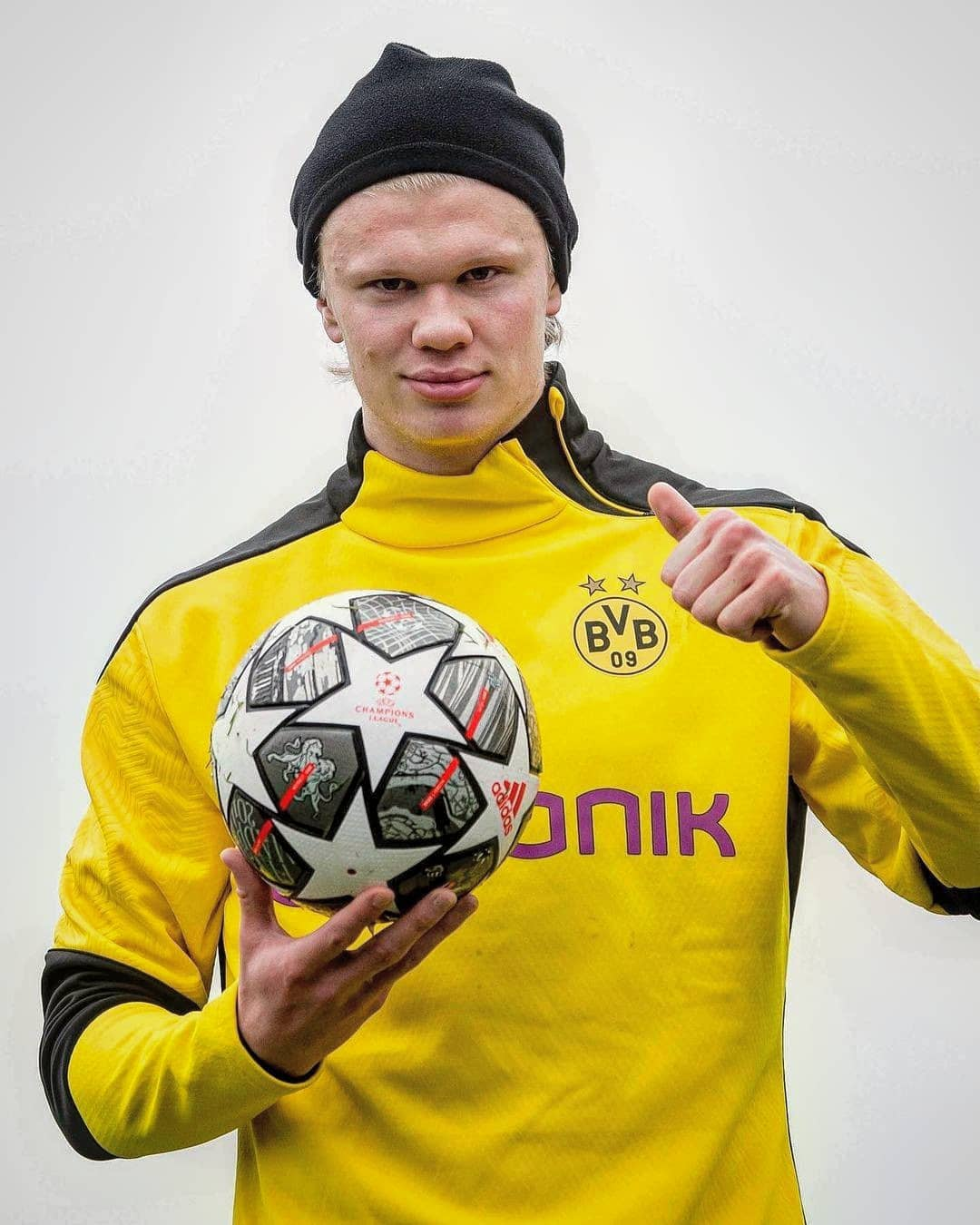 Sum up Erling Haaland in one word...  :    ...